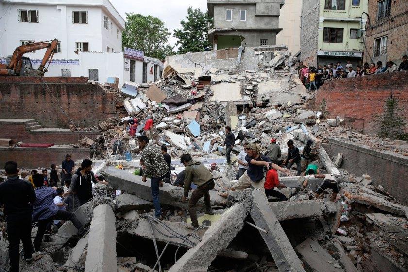Google y Facebook se vuelcan con la tragedia de Nepal