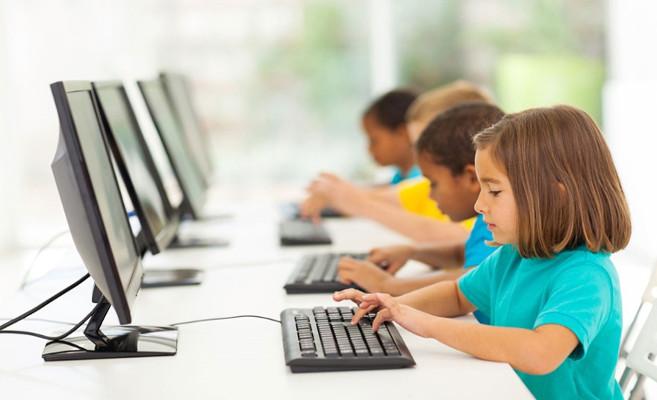 ¿Qué buscaron los menores de edad en el verano desde dispositivos de sobremesa?